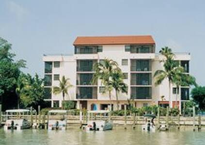Bonita Resort and Club