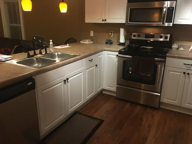Spacious Home Close to Everything! - Nashville - Flat