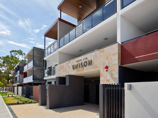 Apartment in resort-style complex near city - Maylands - Flat