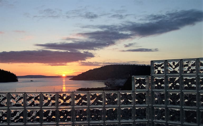 Anacortes! Just Another Day in Paradise! - Anacortes - Appartement