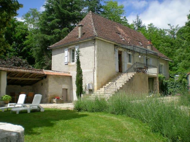 Maison typique du Quercy