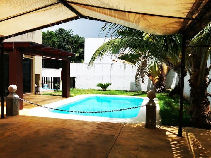 Hermosa Casa en Renta en Boulevar Bahia c/ Piscina