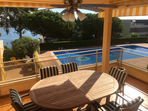 Luxury 3 bedroom apartment with swimming pool