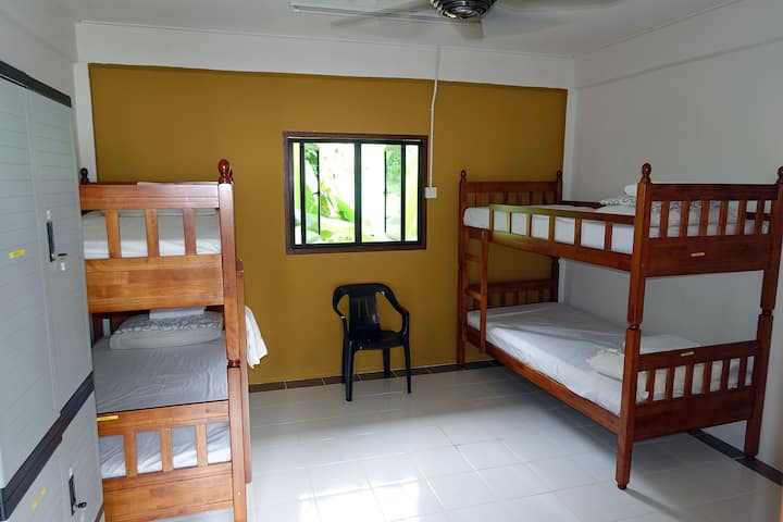 Air-Conditioned Dormitory on Tioman - 4 persons