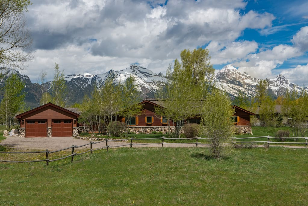 Great value in jackson wildlife national park is 75 for Stazione di jackson hole cabin