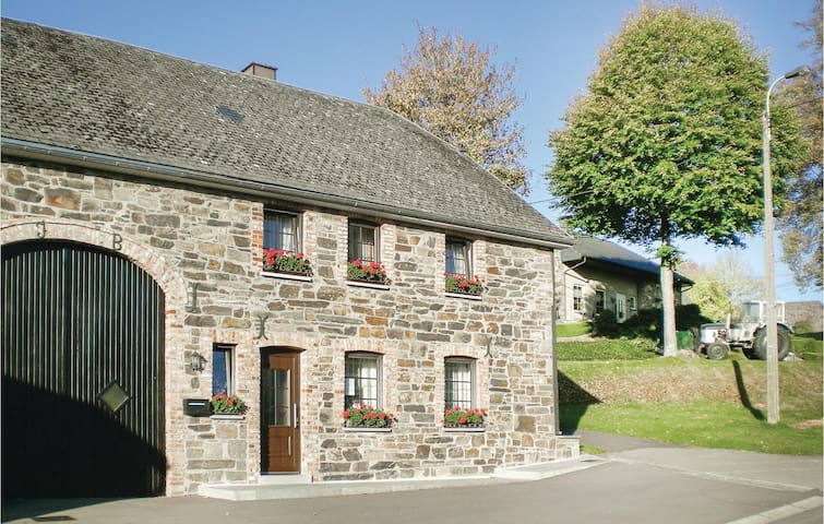 Holiday cottage with 3 bedrooms on 125m² in Wirtzfeld