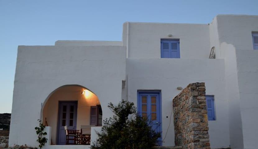 2-story cycladic house in Antiparos-Agios Georgios