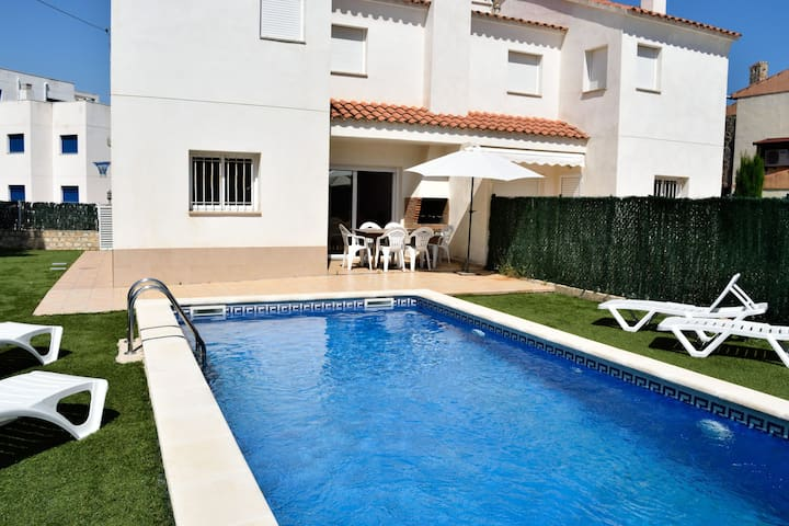 Villa Llobeta With Private Swimming Pool