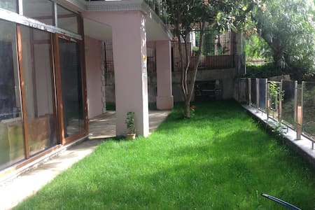 quiet, comfortable, exclusive  in the countryside - Bornova - Wohnung