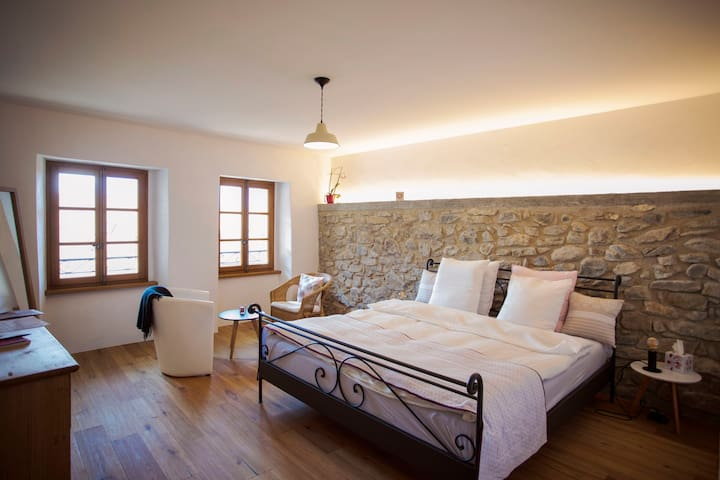 spacious room with lake view