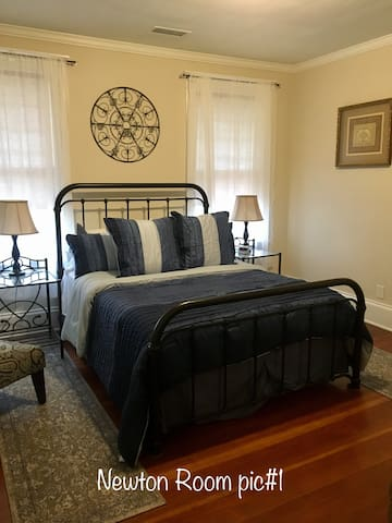 Newton Room-Sweet Tea Bed & Breakfast-Conover NC