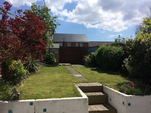 Terraced cottage near the beach - Bournemouth - Hus