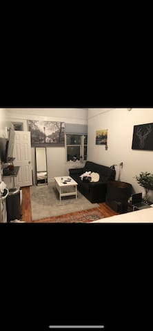Manhattan studio near Central Park & Times Square.