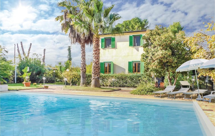 Holiday cottage with 3 bedrooms on 200 m² in Piazza Armerina -EN-