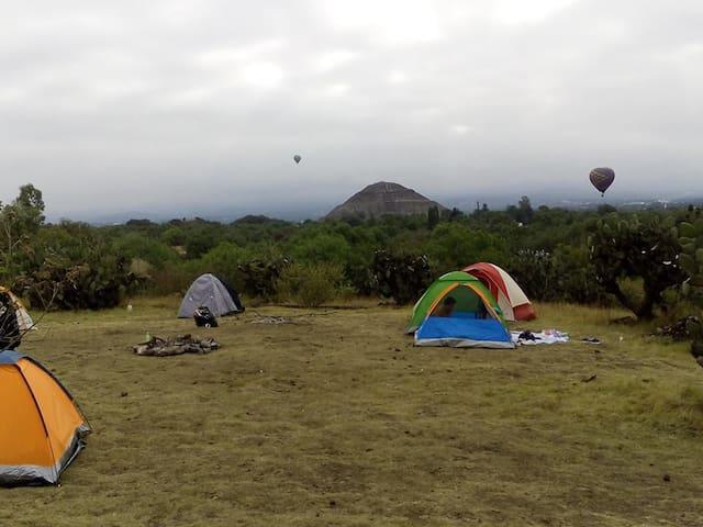 Campismo  zona arqueológica de teotihuacan México