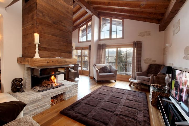 Amazing chalet for 14 person with hot tub and sauna/hammam