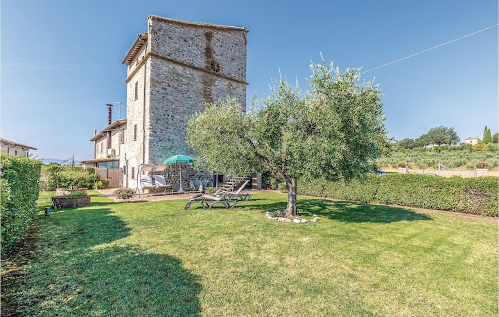 Holiday cottage with 2 bedrooms on 70m² in Assisi PG