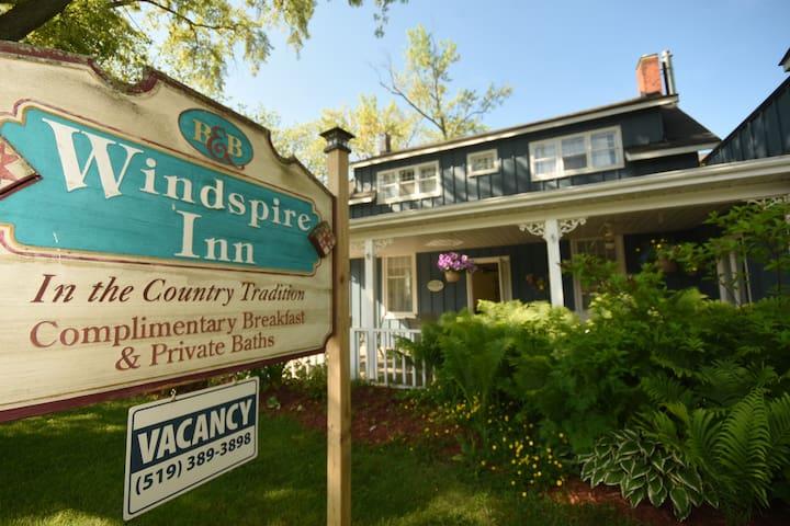 Windspire Inn (Family)