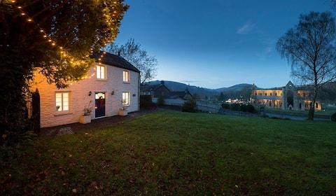 Tintern Abbey Cottage- 5 * & fabulous Abbey views