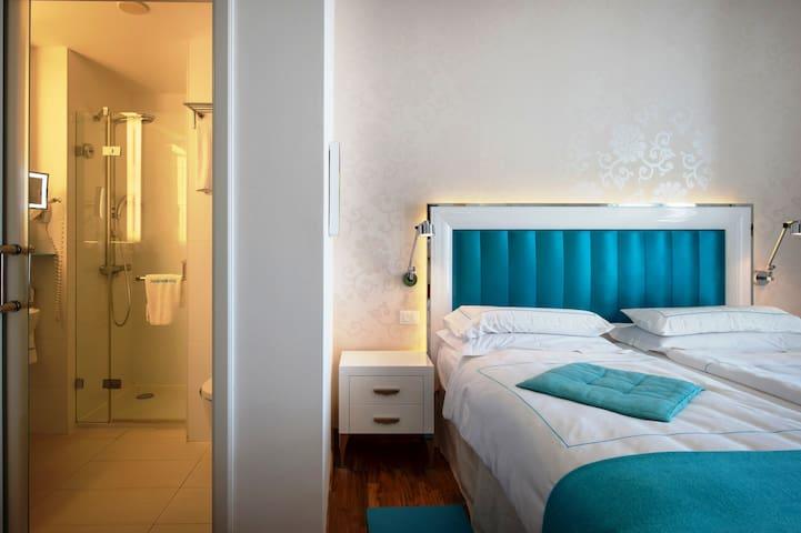 PICCOLO GRAND HOTEL - DOUBLE STANDARD ROOM