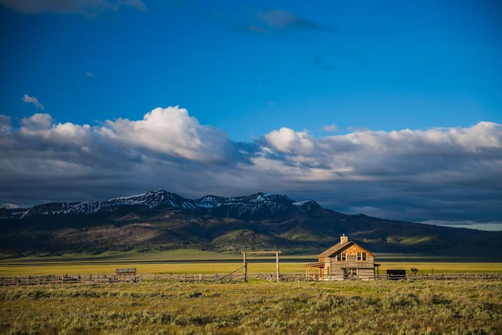Stunning Montana Vacation Rental on Secluded Ranch Property