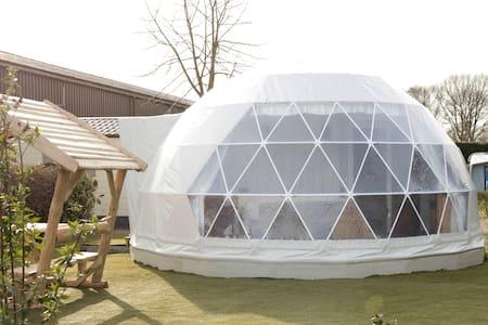 Slapen in een unieke, luxe glamping dome