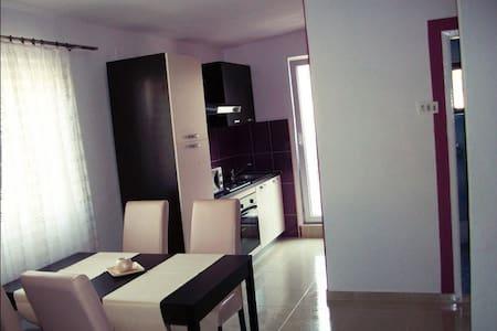 Guesthouse Gradac - Gradac