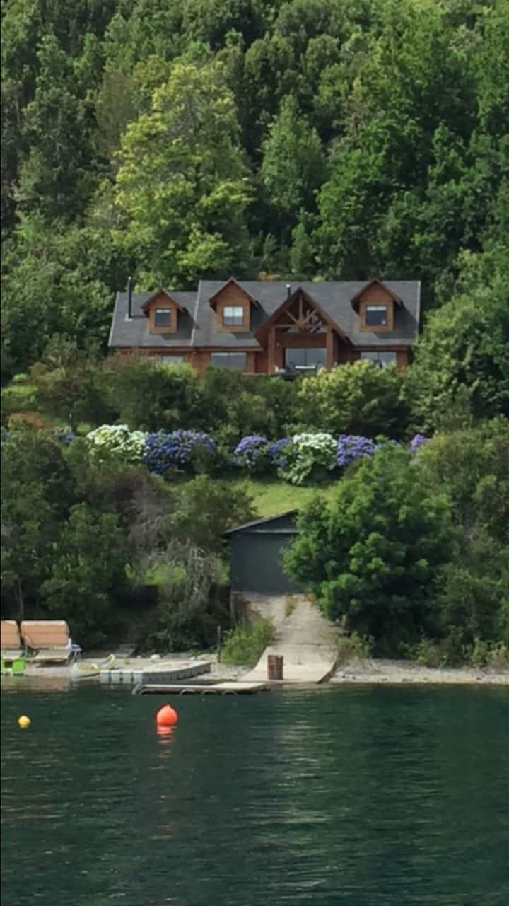 Riñihue lake, beautiful house!!