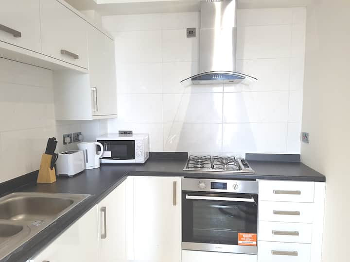 Cosy One Bed Flat Close to Town Centre