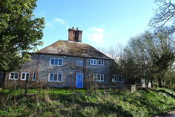 South Downs retreat steeped in Bloomsbury heritage