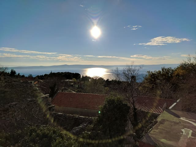 Crows nest - sleeps 8 - Adriatic view home