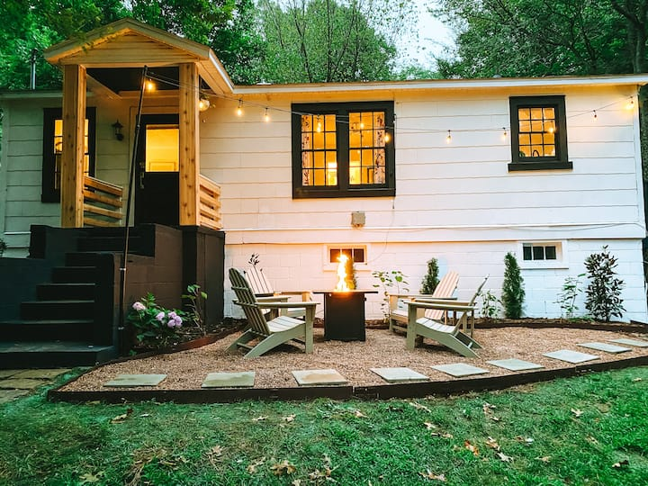 Boho Bungalow in Historic Downtown Fayetteville