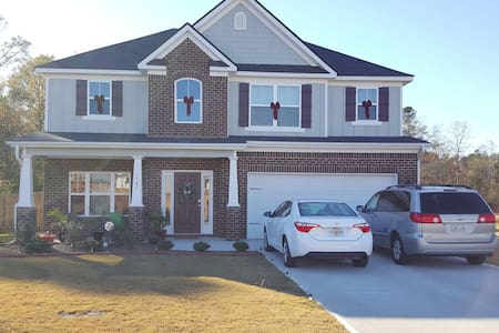 MASTERS RENTAL 4BR/2.5BATH/PETS ALLOWED/6 BEDS - Grovetown