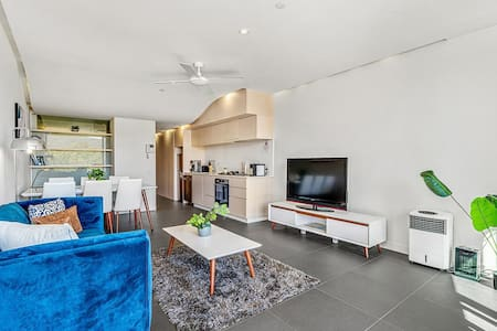 Sleek Modern Apartment in Canberra's Best Location