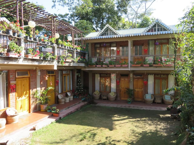 Live Away Home - 1 - Kalimpong - Room 1