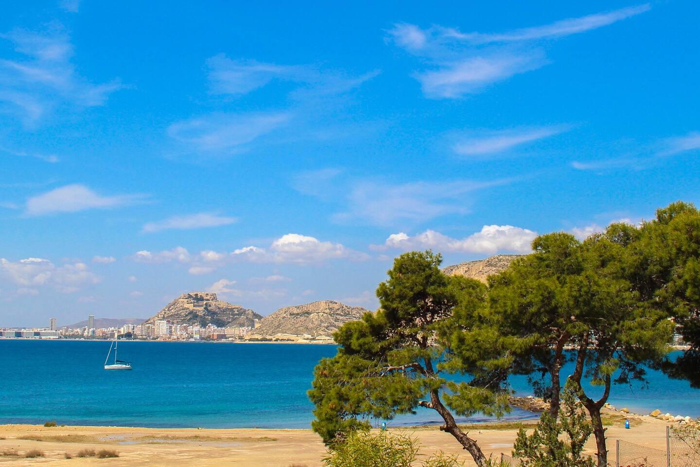 Vistas a Alicante desde la urbanización