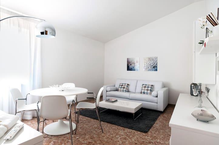 Appartamento mansardato rifinito e spazioso