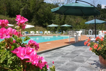 Lunigiana large farmhouse with pool - Gragnola - Villa