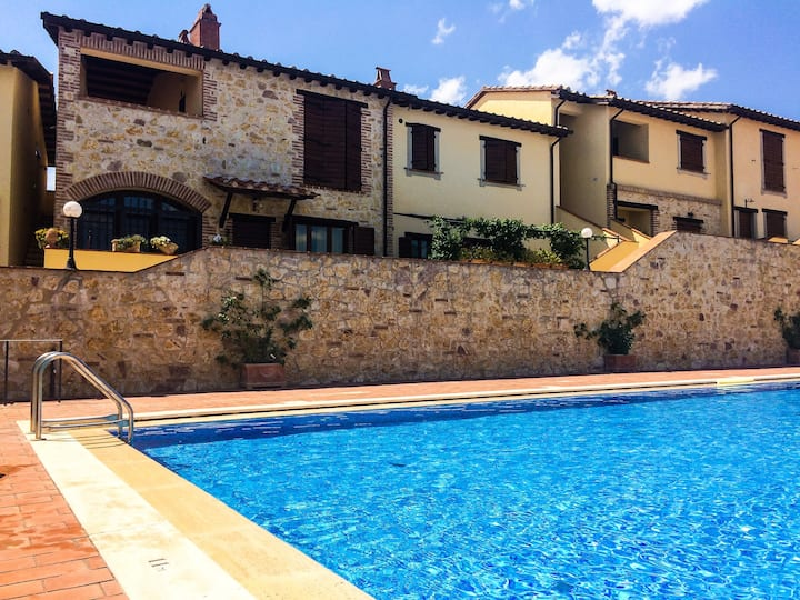 UMBRIA country house with swimming pool