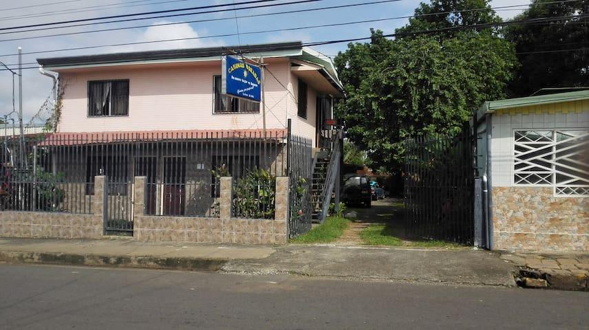 su nuevo hogar en Esparza - Esparza - Overig