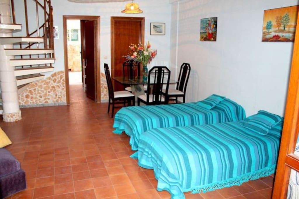 soggiorno- 2 letti singoli (possibilità di aggiungere 3 letto)