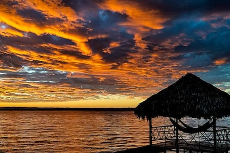 Lake Petén Itzá Private beach 3B/3Bath sleeps 6-8