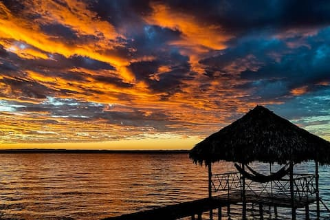 Lake Petén Itzá Private beach 3B/3Bath sleeps 6-8