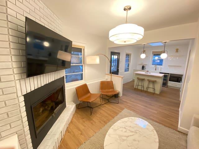 Modern, Spacious, Relaxing Mountain Suite