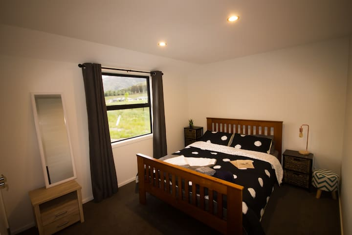 Private Bedroom/Bathroom with free Breakfast. - Queenstown - Dom