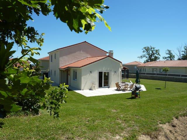 Deux chambres à 15min de St-Étienne - Saint-Marcellin-en-Forez - House