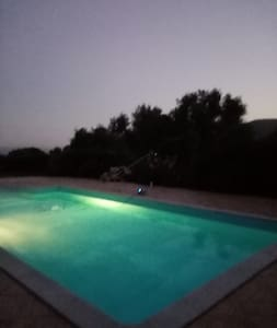 rez de villa 2/4 pers piscine vue maquis