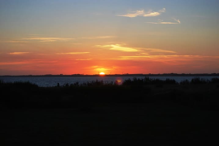 Sommerhus med havudsigt til smukke solnedgange. - Spøttrup - Houten huisje
