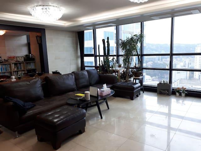 안전하고 편리한 고품격  아파트에 내 방을 두다 !  서울 게스트 하우스