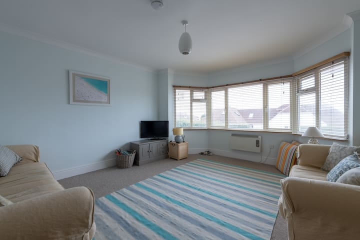 Spacious Light & Airy Space, East Wittering Beach